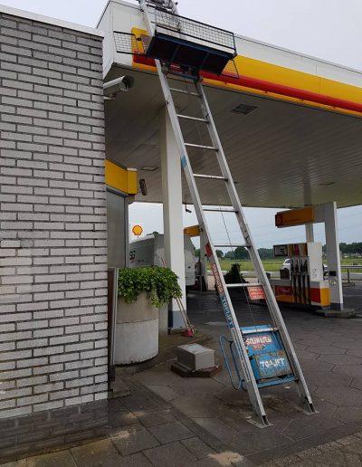 Dakbedekking tankstation vervangen